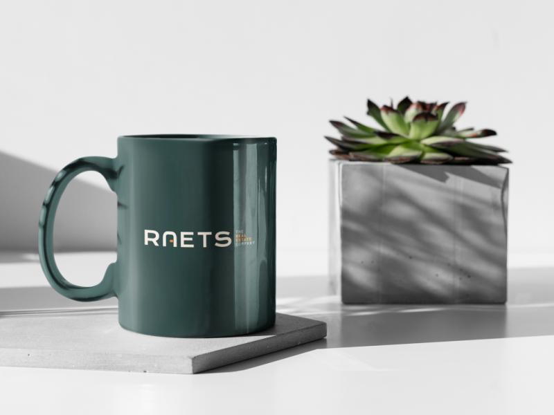 11-oz-coffee-mug-mockup-featuring-a-plant-pot-having-a-sunbath-394-el (Middel)